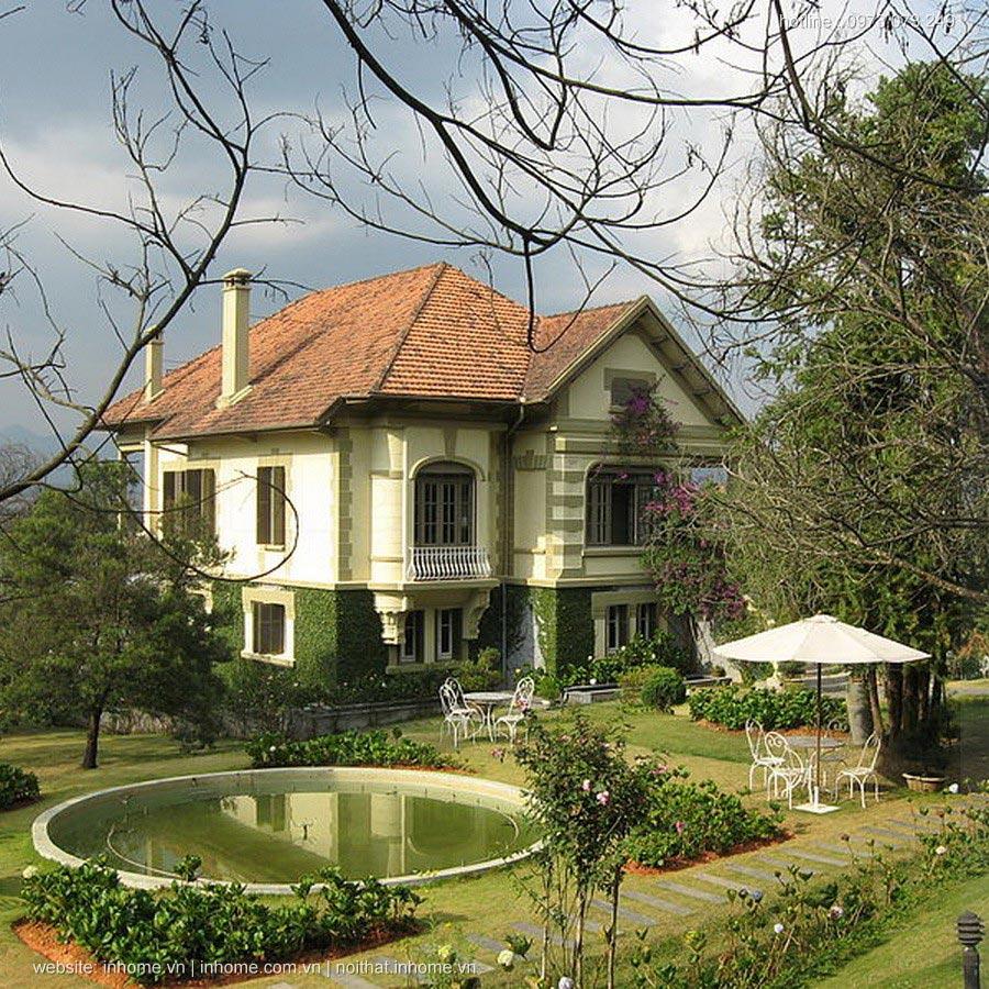Những ngôi nhà kì dị trên con đường đắt nhất hành tinh ở Hà Nội